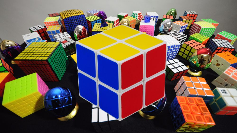 How to solve a Rubik's cube 2×2: step by step instruction